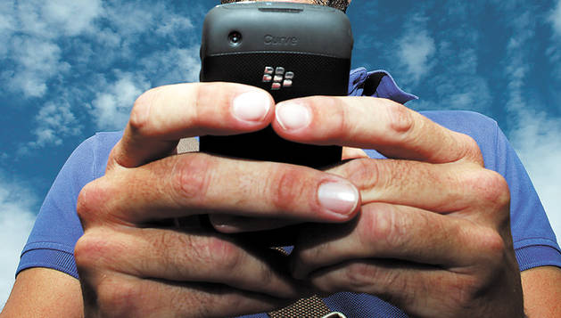 Juzgados por estafar 17.447 € con llamadas a operadoras de contactos