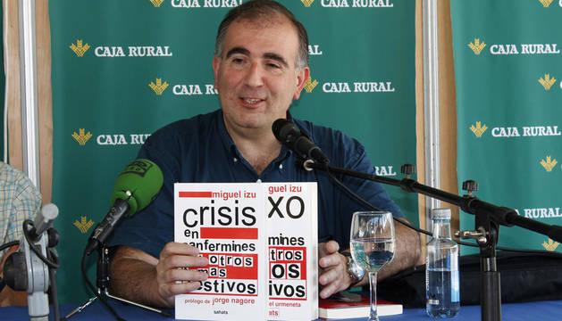 El pamplonés Miguel Izu presenta su nuevo libro