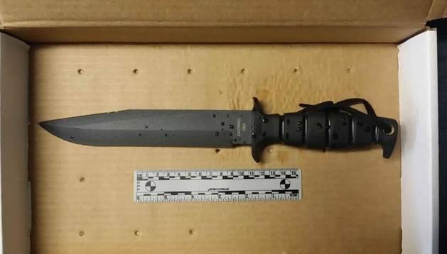 Cuchillo que portaba Rahim cuando fue abatido.