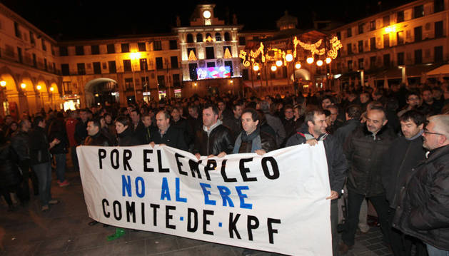 Trabajadores de KPF, en una de las movilizaciones que han protagonizado durante el proceso.