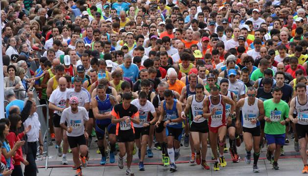 Salida de los participantes en la media maratón de 2014.