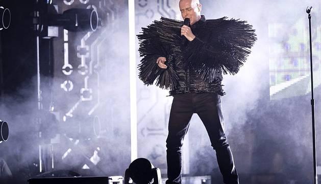 Más de 3.000 personas bailaron al ritmo de las canciones del dúo Pet Shop Boys, que cerró el Festival Tres Sesenta