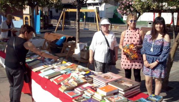 Fiesta del libro en San Adrián.