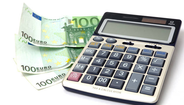 La renta de los hogares navarros cae 4.000 euros durante la crisis