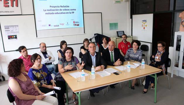 Profesores y autoridades asistentes a la presentación de los resultados del proyecto RESOLVE.