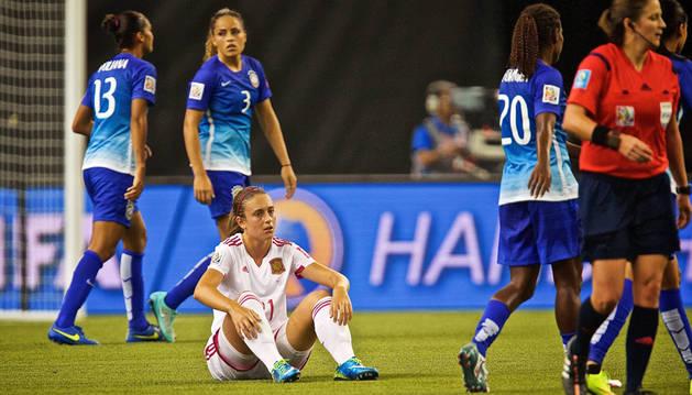 Alexia Putella se lamenta al finalizar el partido.