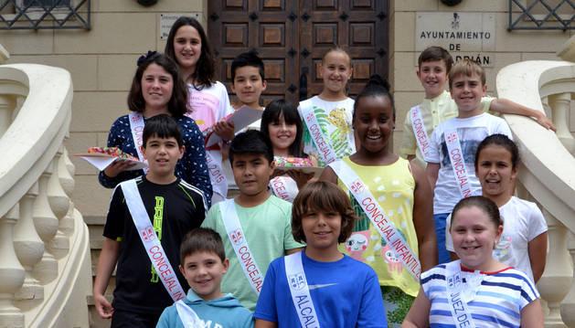 La recién nombrada corporación infantil de San Adrián.