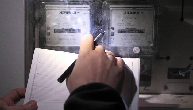 Los nuevos contadores de luz facilitan el robo, según Facua