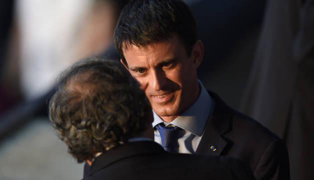 Valls, en el palco del Allianz Arena junto a Platini.