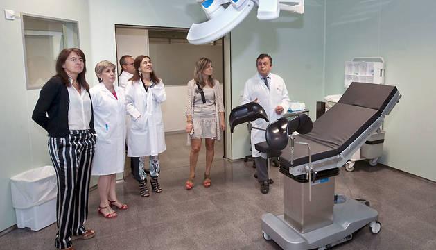 Los responsables de Salud, durante la visita a las nuevas instalaciones.