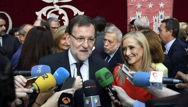 Los consejeros de Cifuentes toman posesión arropados por Rajoy