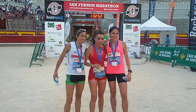 Arribas, Pérez y Sainz, podio femenino de la media maratón.