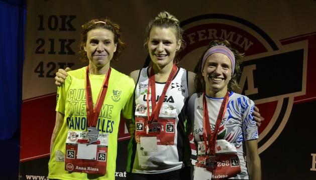 Podio femenino de la San Fermin Marathon 2015.