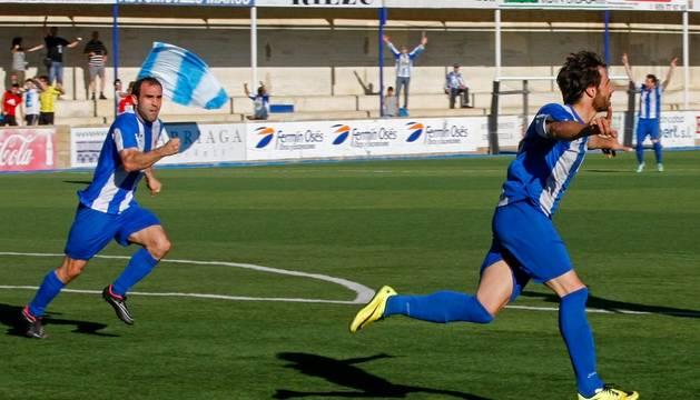 Jugadores del Izarra celebran un gol en un partido anterior.