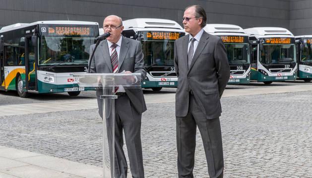 Acto de presentación de los nuevos autobuses.