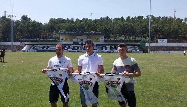 Paris Adot, Arkaitz Ruiz y Santi Samanes.