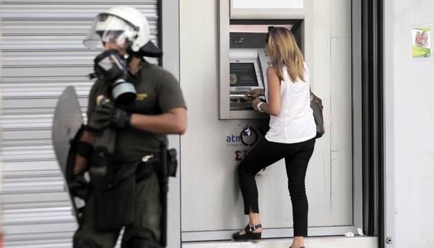 Ligera ventaja del 'sí' en las encuestas sobre el referéndum griego