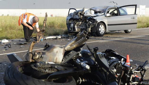 Cuatro muertos tras un choque frontal entre dos vehículos en Valladolid