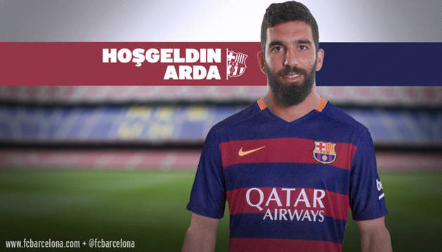 Arda Turan, con la camiseta del Barça.