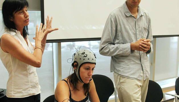 Los investigadores Mara Dierssen y Marcos Quevedo durante la presentación.