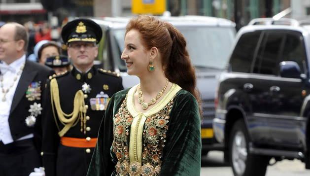 La princesa Lalla Salma de Marruecos, vestida con un caftán.