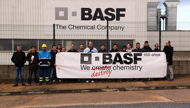 Imagen de una concentración de protesta de la plantilla de Basf en diciembre de 2014.