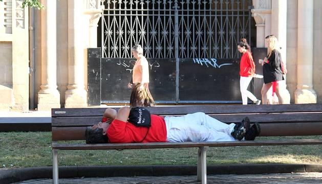 Las calles de Pamplona recuperan poco a poco la normalidad