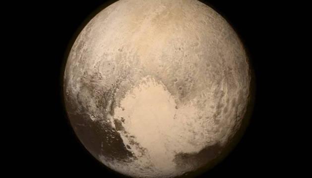Una imagen de Plutón cuando la nave espacial estadounidense