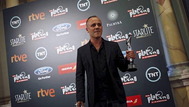 Gutiérrez recoge el premio del público, dentro de la gala de los Platino.