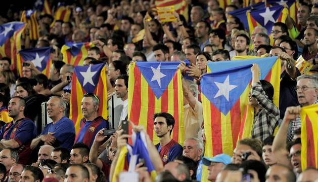 Banderas catalanas esteladas, en la final de la Liga de Campeones.