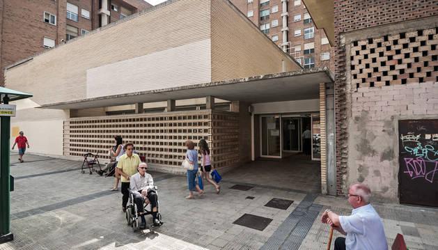 La propiedad del centro de salud de Azpilagaña, objeto de disputa