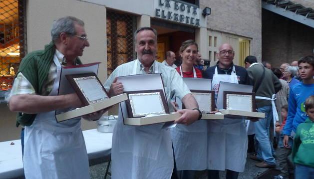 Los premios se otorgaron en la entrada de La Bota Elkartea. El primero fue para Mikel Adrián Guergué y Javier Urtasun de Miguel, mientras que el segundo lo ganaron Nekane Marco Luri y Koldo Tomás Nuin.