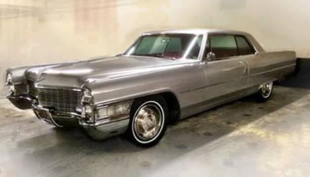 El objeto más valioso de la subasta: el automóvil del protagonista de la serie