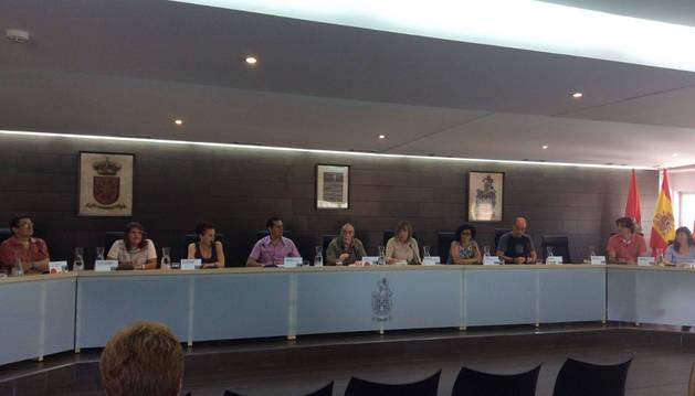 Imagen de archivo del pleno de Burlada en el que se aprobó la organización municipal.