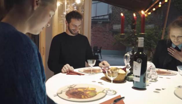 Los comensales, sorprendidos por Le Petit Chef