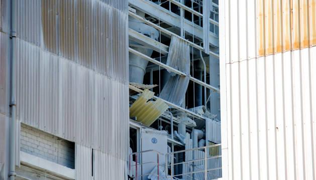 Parte del destrozo que provocó la explosión.