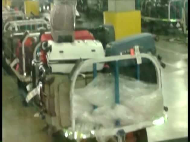 Miles de maletas sin dueño, en El Prat