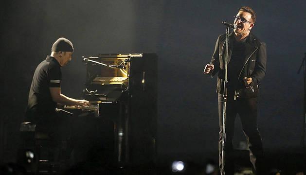 The Edge y Bono, de U2.