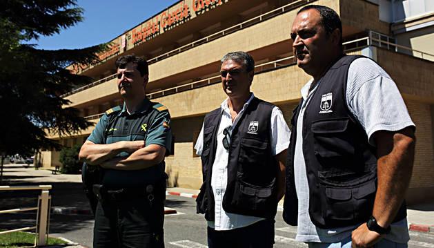 Los tres agentes que acudieron al García Orcoyen.