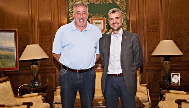 Asiron recibe al rector de la UPNA, Alfonso Carlosena