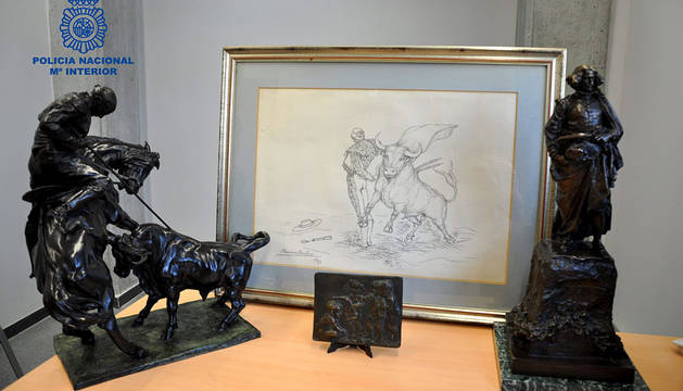 Tres esculturas y un cuadro falsos de Benlliure incautados.