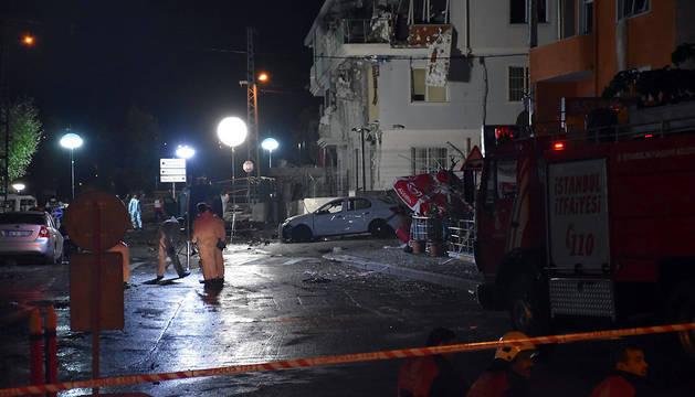 Tres muertos en una explosión en una comisaría de Policía en Estambul