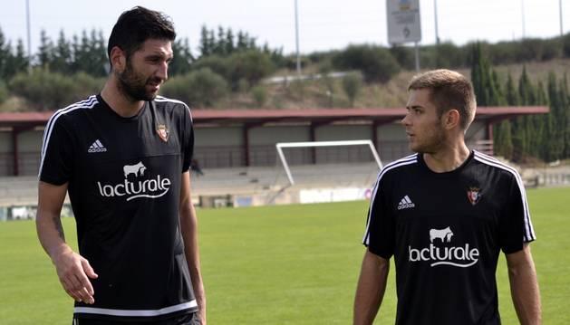 Bogdan Milic, junto a Matej Pucko.