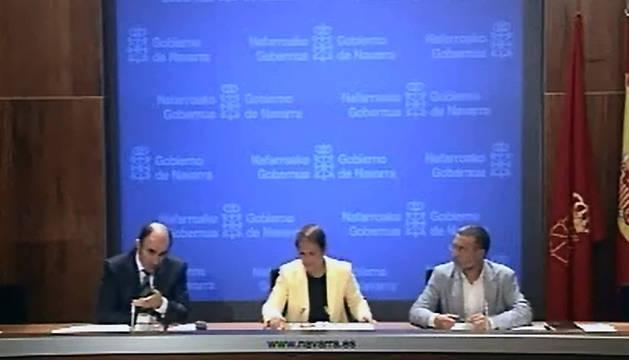 Manu Ayerdi, Uxue Barkos y Miguel Laparra, en la rueda de prensa de este miércoles.