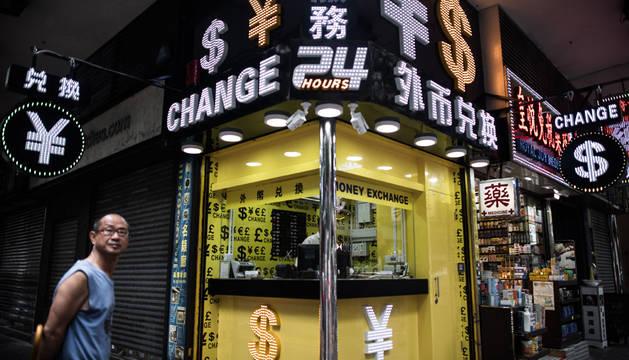 China da por cerrado el ajuste del yuan tras tres días de devaluación