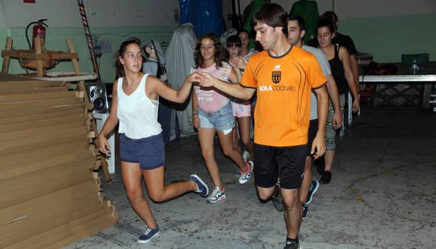 Danzaris del grupo de Ablitas.