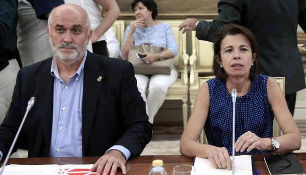 Mendoza afirma que negociar la LOMCE con el PP es inviable