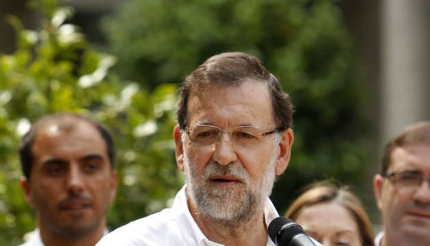 Rajoy defiende a Fernández Díaz y acusa al PSOE de intentar pescar en río revuelto