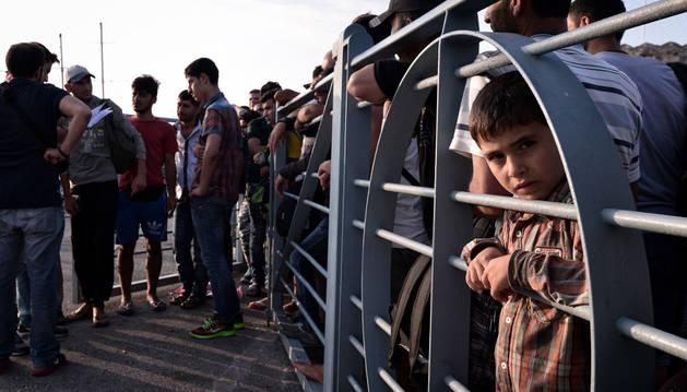 Los sirios tienen prioridad de embarque por su condición de refugiados.