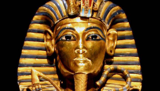 El sarcófago del cuerpo de Tutankamón.
